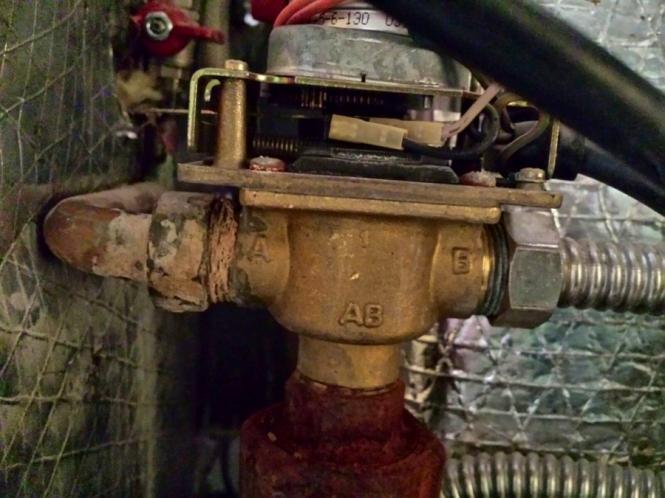 Cambio de válvula de tres vías con micro